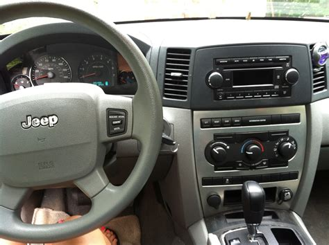 Jeep Grand Laredo Interior by 2006 Jeep Grand Interior Pictures Cargurus
