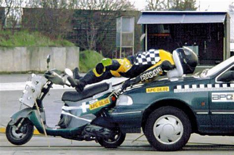 Motorradhelm Airbag by Motorradunf 228 Lle Viele Biker Sind Selbst Schuld Autobild De
