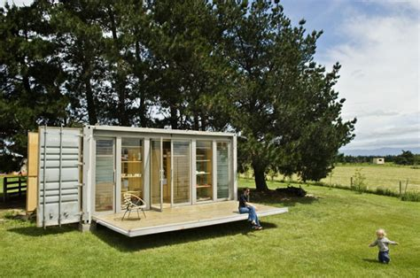 container als wohnhaus port a bach a portable teeny tiny shipping container home