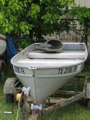 v hull fishing boat buy 14 v hull aluminum fishing boat with trailer at