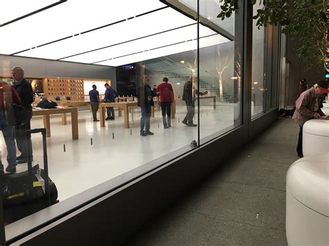 Forum Credit Union Overnight Address Mysterious Overnight Activity At Apple Stores Presages Thursday S Mac Event