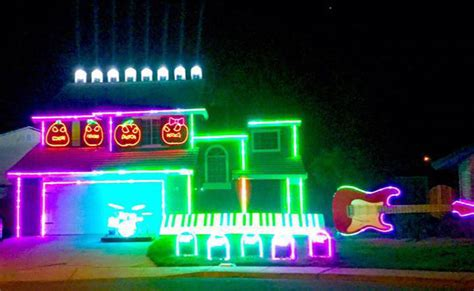 impressive halloween light show choreographed to disney