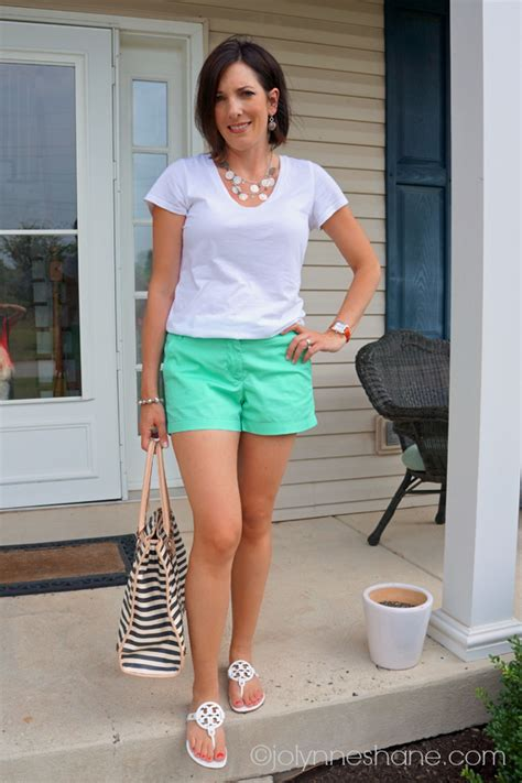 Pictures Of Elderly Women Wearing Shorts Tastefully | fashion over 40 daily mom style 07 24 13