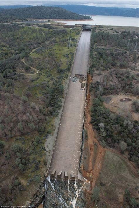 Nevada Home Design by Gaping Hole Grows In The Spillway Of Oroville Dam Daily