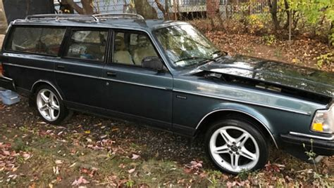 volvo  dl station wagon  miles automatic blue roof rack  wheels  sale