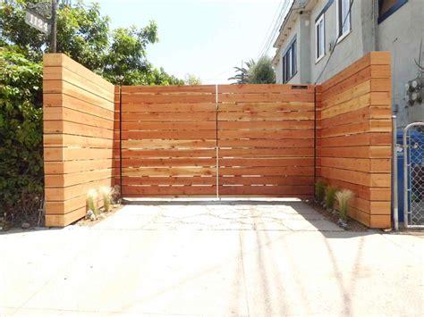 Horizontal Wood Fence Design Horizontal Wood Gate Designs 2018 Athelred