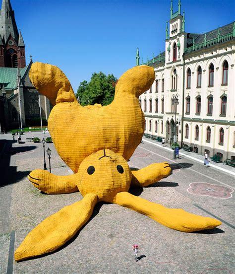 big yellow rabbit a 42 foot sculpture of a rabbit