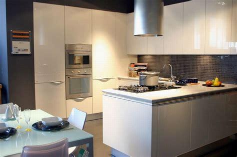 idea cucine moderne outlet snaidero cucina idea in offerta a prezzo