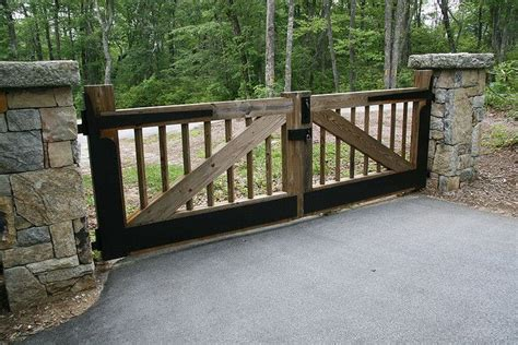 wooden driveway gate ideas woodworking projects plans