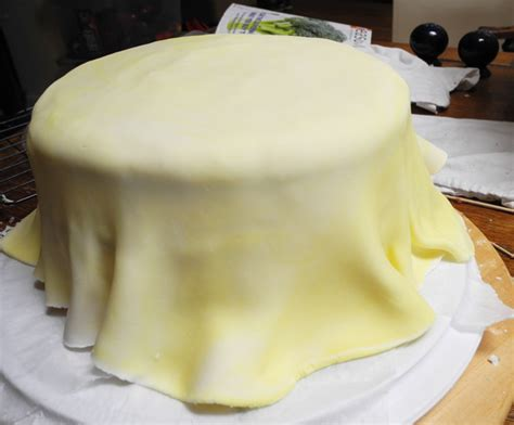 fondant draping dabbled tutorial how to make the doctor who dalek cake