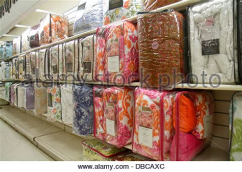 home goods bedding miami florida aventura marshalls home goods discount department store stock photo