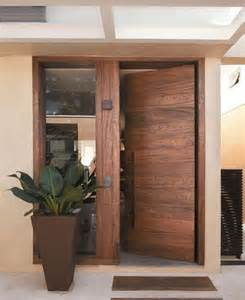 Front Entry Wood Doors 25 Best Ideas About Wood Front Doors On Front Doors Exterior Doors And Entry Doors