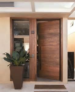 Wood Exterior Door 25 Best Ideas About Wood Front Doors On Front Doors Exterior Doors And Entry Doors