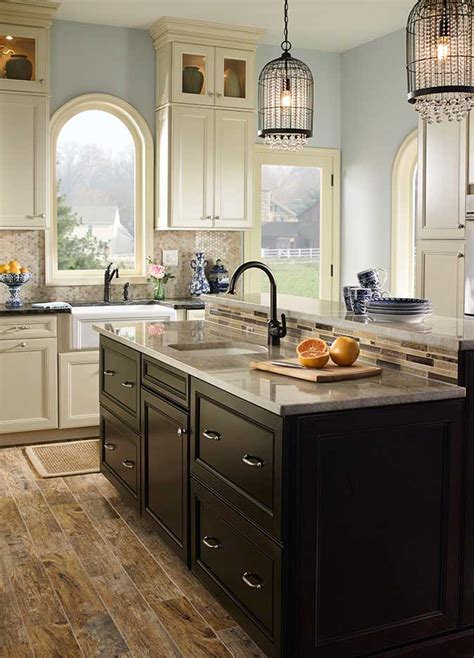 choosing a backsplash with your granite or marble