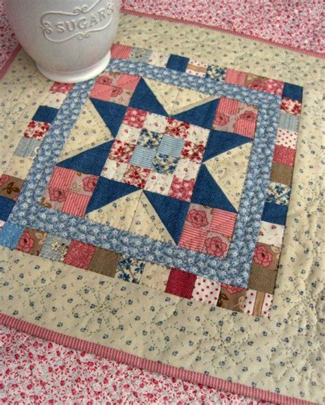 Small Patchwork Projects Free - sweet pea mini quilt for your wall or table quilting digest