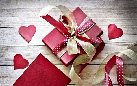 beautiful gift box wallpaper 40030 1680x1050 px