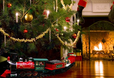 34 pc remote controlled christmas tree train sharper image