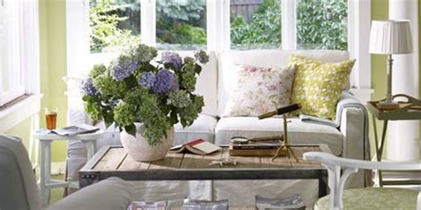 creative ideas on how to decorate a bay window interior decorating with green ideas for green rooms and home decor