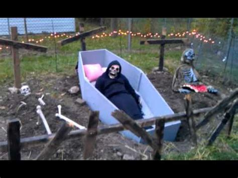 Haunted Backyard Sara S Halloween 2011 Youtube Backyard Haunted House Ideas