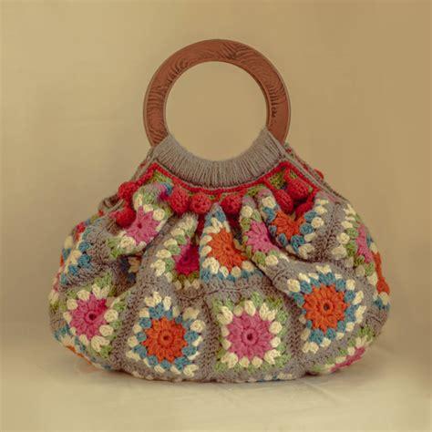 crochet afghan bag pattern festival afghan bag crochet pattern the mercerie