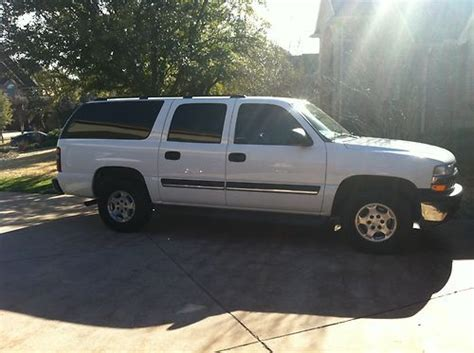 find used 2005 suburban suv chevrolet white 100k