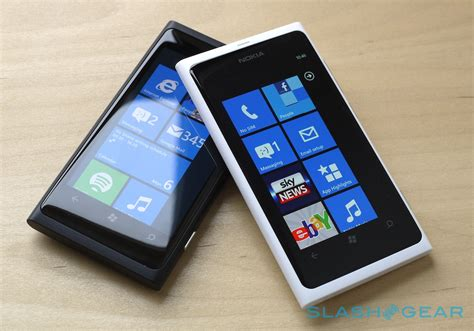 nokia lumia 800 white official on slashgear