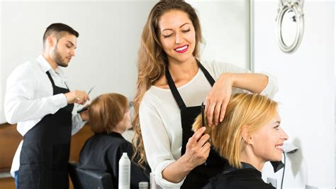 hairdresser day a guide to holiday tipping what to give your hairdresser