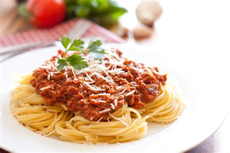 easy pasta sauce easy spaghetti recipe to make at home inspirationseek