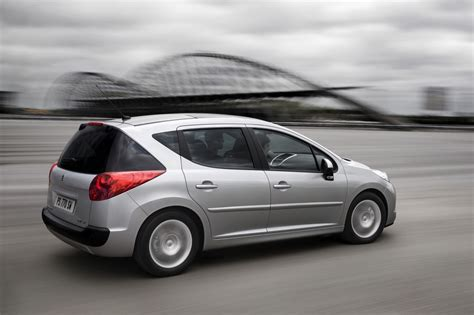 peugeot 207 sw 1 6 hdi active 1 photo and 11 specs