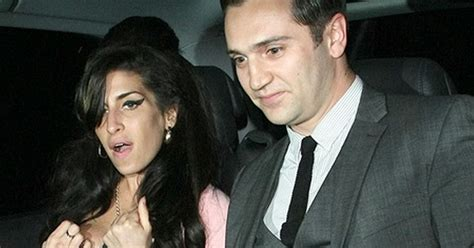 Allen I Am And Stter Than Winehouse by Winehouse Stands By Boyfriend Reg Traviss After