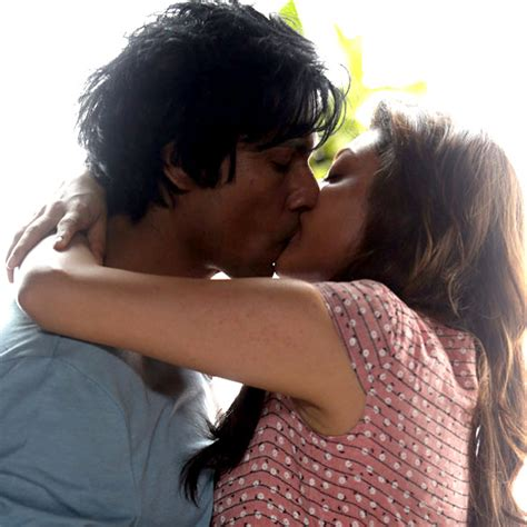download mp3 from do lafzon ki kahani kajal aggarwal and randeep hoodas kissing still in do