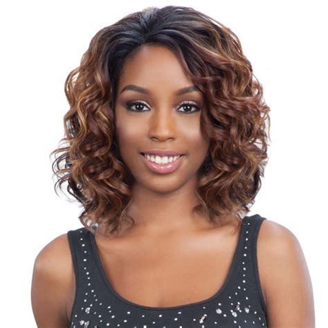Wig Lace Front model model lace front wig echo lace front wigs divatress
