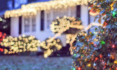 decorazioni natalizie per giardino come decorare il giardino per natale leitv