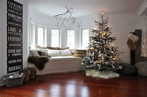 big christmas tree in small room 42 tree decorating ideas you should take in consideration this year