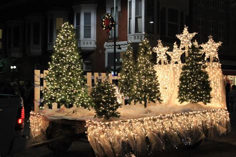 christmas light parade ideas lighted christmas parade to be old fashioned oskaloosa