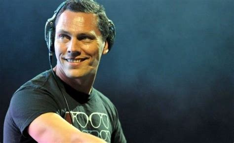 tiesto house music overrated dj tiesto plays deep house music on new radio show to gain more popularity