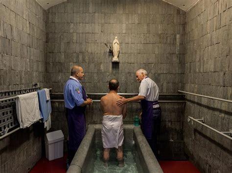 vasche di lourdes photographe diana markosian