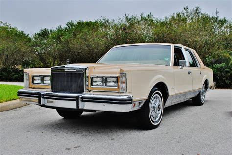how can i learn about cars 1984 lincoln continental electronic throttle control file 1984 lincoln towncar jpg wikimedia commons