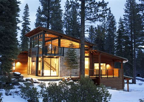 modern mountain home on mountain home exterior