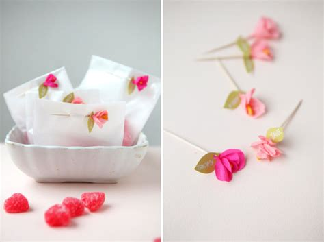 How To Make Mini Paper Flowers - mini crepe paper flower favors diy