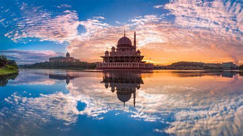 full hd wallpaper putra mosque amazing putrajaya lake