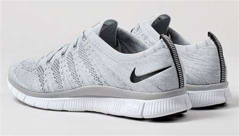 kicks deals official website nike  flyknit nsw wolf