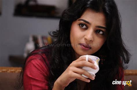 Biography Of Movie Badlapur | radhika apte new stills 6