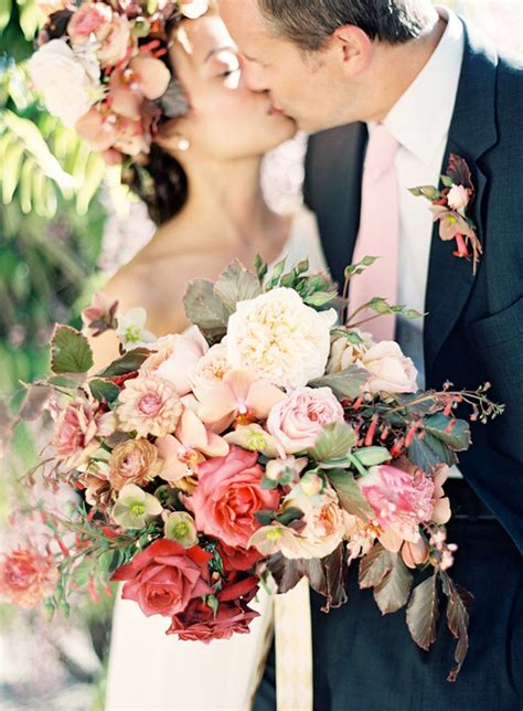 big wedding bouquets 6 wedding bouquet trends