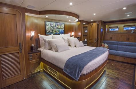 fort lauderdale boat show accommodation fort lauderdale international boat show luxury yacht