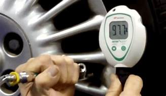 Tires Filled With Nitrogen Vs Air The Real Deal About Using Nitrogen Filled Tires For Your