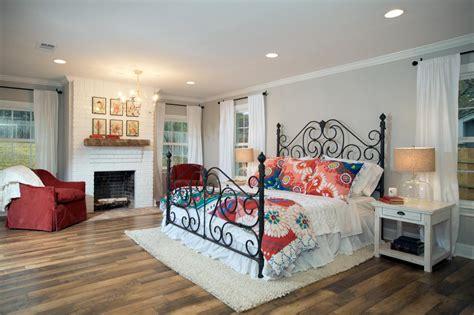 fixer upper on hgtv hgtv fixer upper bedrooms