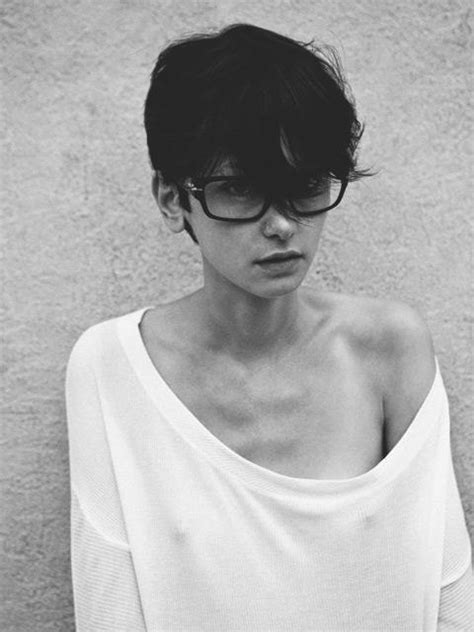 pixie cut with bangs glasses google search hair styles short hair thinspiration pinterest