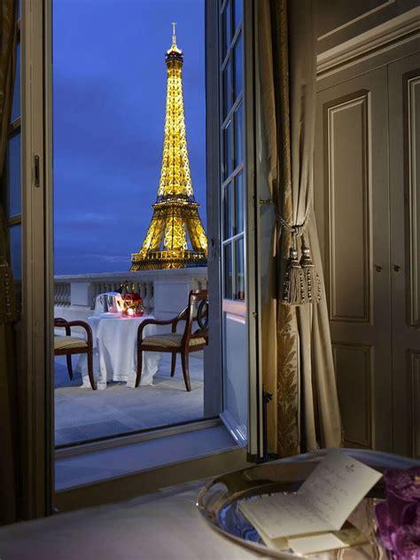 chambre vue tour eiffel 20 chambres avec vue de r 234 ve o 249 vous r 233 veiller chaque matin