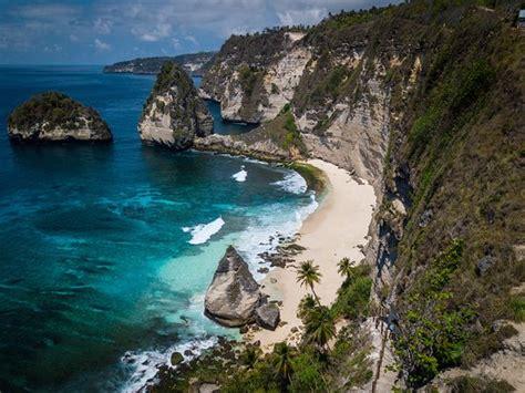 berwisata  diamond beach nusa penida  mempesona